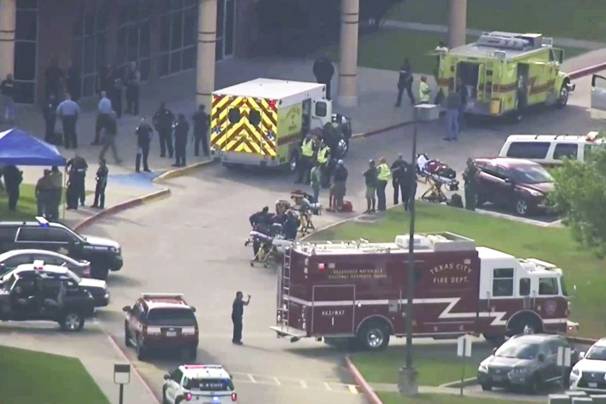 10 dead in school shooting, official says